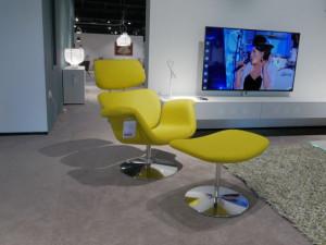 Artifort Tulip F545 fauteuil + poef opruiming